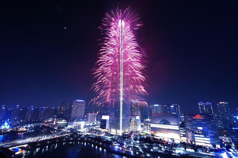 No fireworks at Lotte World Tower in this spring